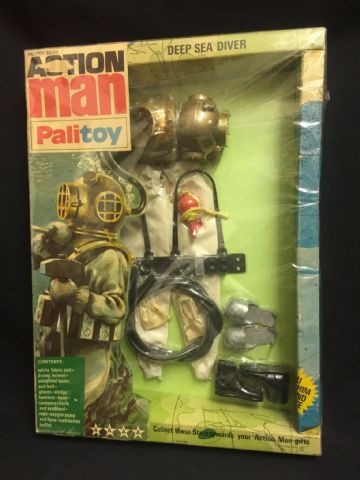 ACTION MAN - DEEP SEA DIVER - VINTAGE CARDED UNIFORM (Early 1970's issue) (ref 19/9)